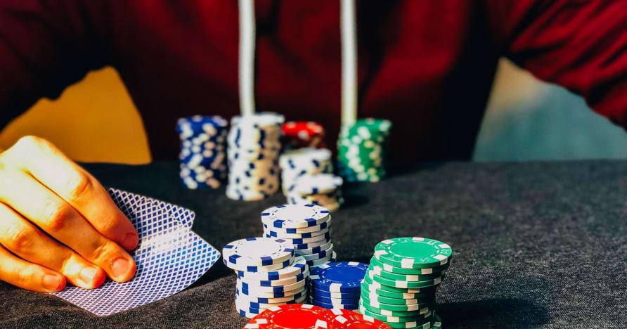 Chơi thực dụng mở rộng Thỏa thuận đặt cược để bao gồm trò chơi của người chia bài trực tiếp