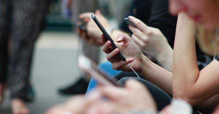 Cách cải thiện thời lượng pin điện thoại để chơi game