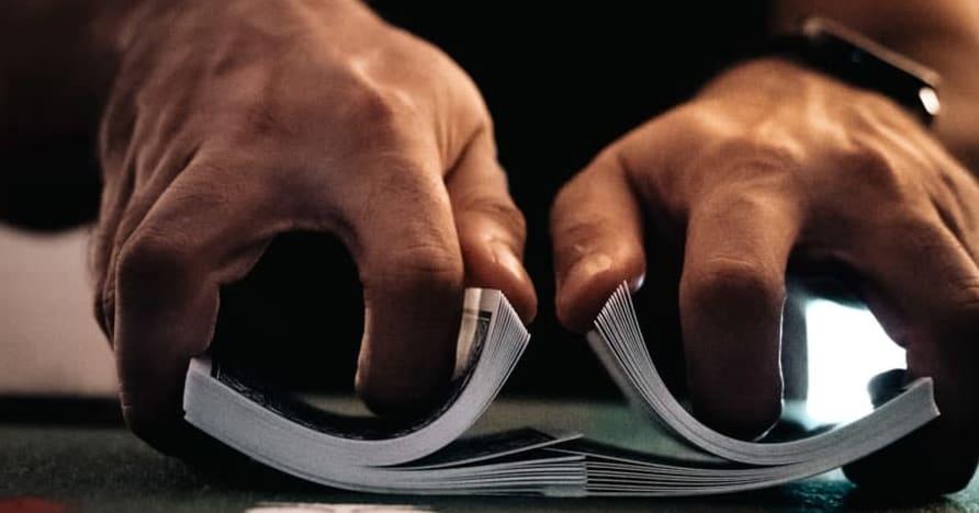 Hướng dẫn về Tất cả các Biến thể Poker Casino Trực tuyến